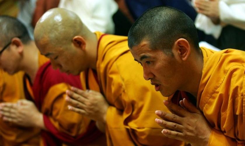 Em um relato mais atualizado, Handley informou que outros 62 monges budistas decidiram fazer o mesmo que seu ex-lama e agora também estão seguindo a Cristo. (Foto: Zimbio)