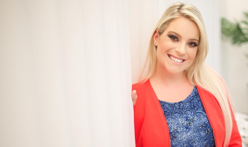 Mariana Valadão é ex-vocalista do Ministério Diante do Trono. (Foto: Reprodução).