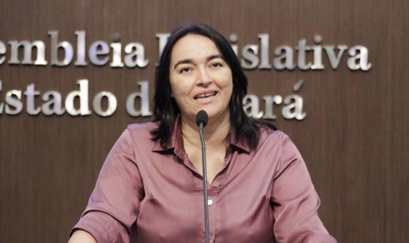 A conversa tinha o objetivo principal falar sobre o Dia do Orgulho LGBT. (Foto: Máximo Moura/ALCE).