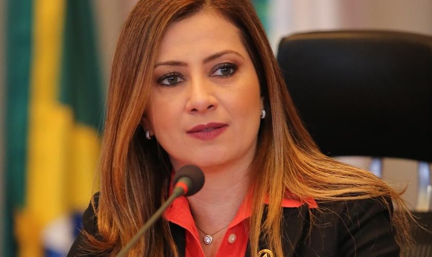 Sandra Faraj declarou que sofre perseguição por parte do Sindicato dos Professores. (Foto: Reprodução).