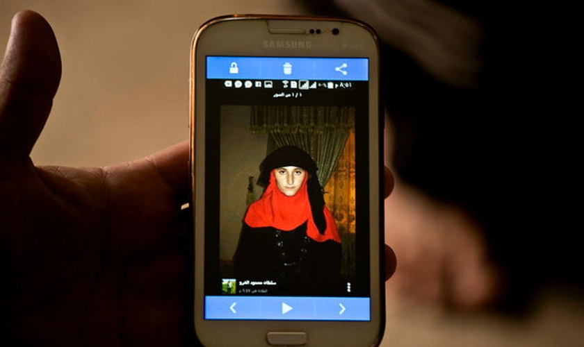 Estado Islâmico tem recorrido a aplicativos como Telegram e Whatsapp para conseguir ampliar o comércio de escravas sexuais. (Foto: Dainik Bhaskar)