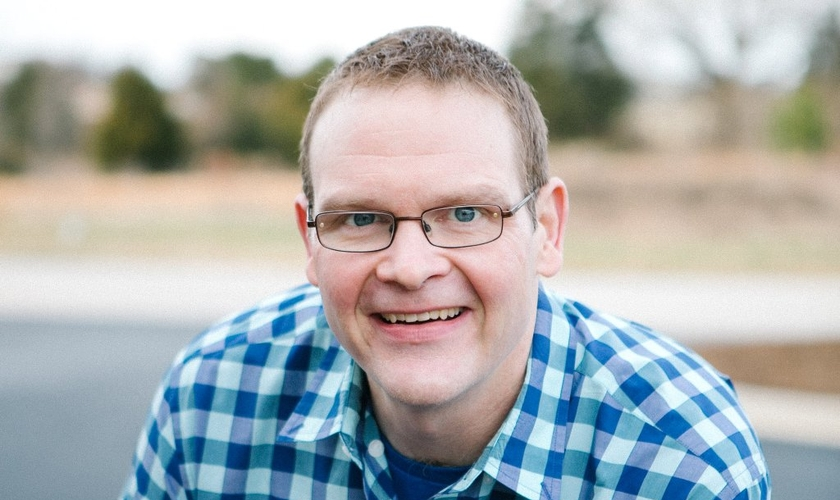 Perry recorda aos cristãos que Deus faz as coisas em determinada ordem e os crentes devem fazer o mesmo. (Foto: Divulgação).