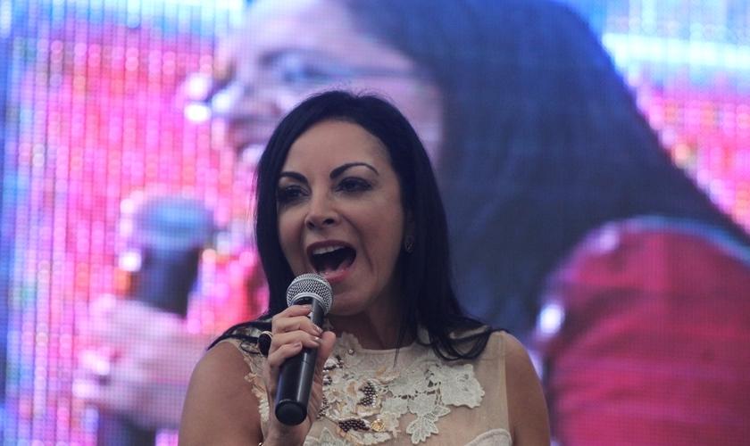 Cristina Mel é cantora, compositora e tem alertado famílias e crianças sobre o perigo da pedofilia. (Foto: Levi Facó / Guiame)