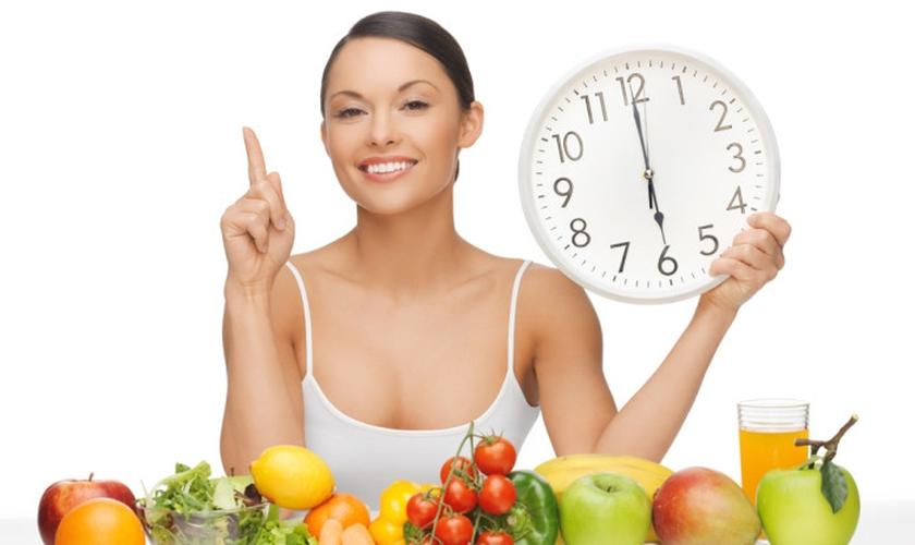 Fracionar as refeições é um excelente meio de manter a saúde e a boa forma. (Foto: Reprodução)