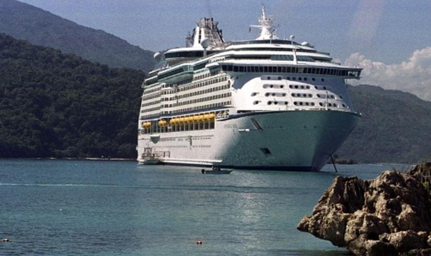 Os navios possuem inúmeras regras e as consequências de quebrar qualquer uma delas podem ser bastante constrangedoras. (Foto: AP Photo/Daniel Morel)