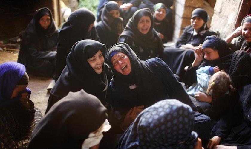 """A organização """"Portas Abertas"""" dos Estados Unidos espera enviar milhares de bíblias para a Síria e seus arredores. (Foto: Reprodução)."""