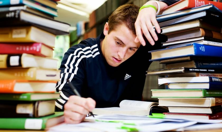 Seja nos estudos ou no dia a dia, é comum nos depararmos com assuntos que não conseguimos compreender. (Foto: Reprodução)