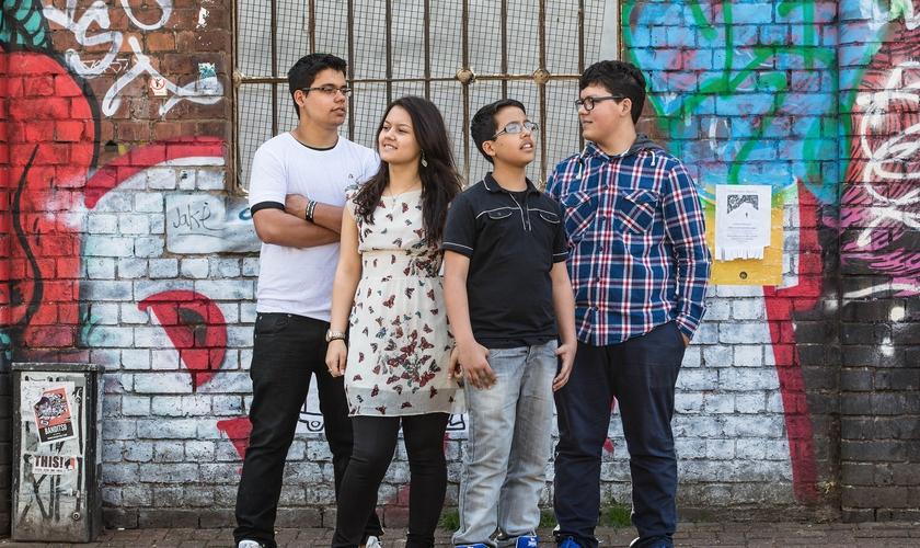 Embora jovens, eles perceberam que era preciso algo maior para cumprir esse chamado. (Foto: Divulgação).