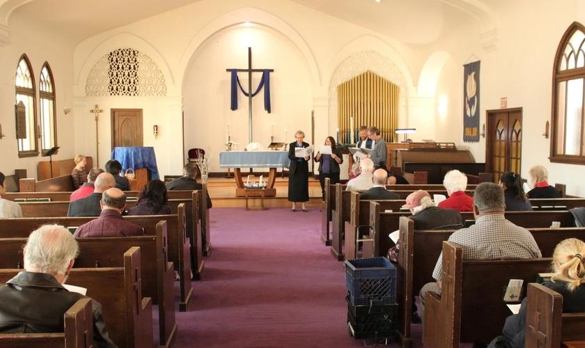 O movimento da Universal Lutheran Chapel para com os imigrantes já acontece a cerca de um mês. (Foto: Reprodução).
