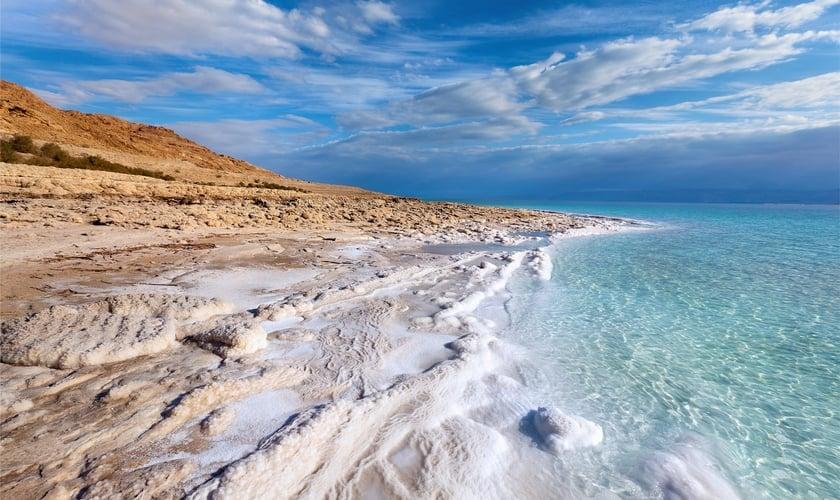 Cientistas provaram a existência de sinais de vida no mar, conforme previsto em uma profecia bíblica. (Foto: Shutterstock)