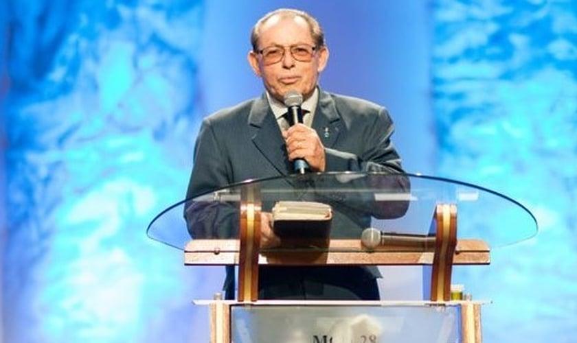 Pastor Cesino Bernardino fundou o conhecido ministério Gideões Missionários da Última Hora em 1970. (Foto: CristaoPolitica)