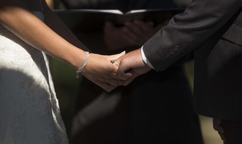 As esposas são encorajados a procurar ajuda experiente. (Foto: Reprodução).