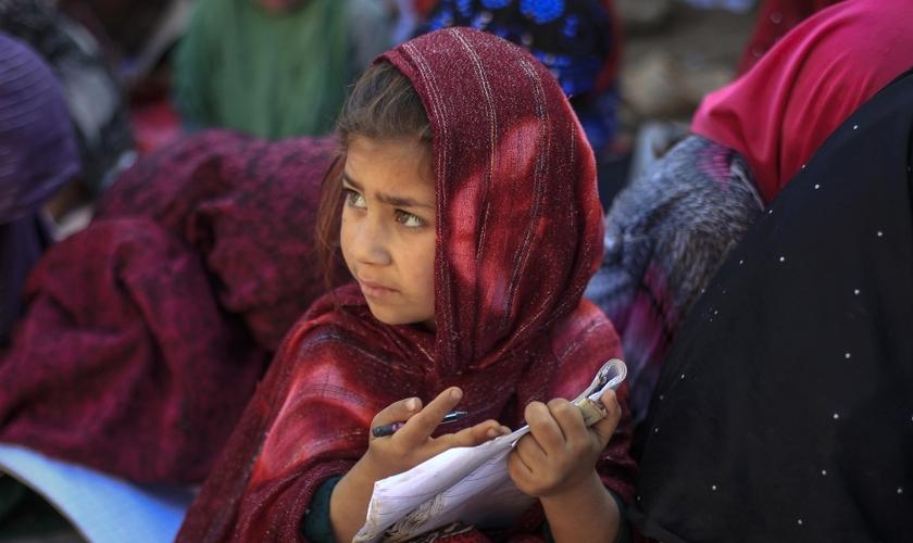 A Comissão americana advertiu que os manuais do Paquistão impactam negativamente mais de 41 milhões de crianças. (Foto: Reuters).