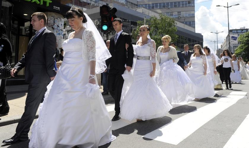 Casamentos e renovações de votos entre casais estão marcados para acontecer na feira. (Foto: Shutterstock)
