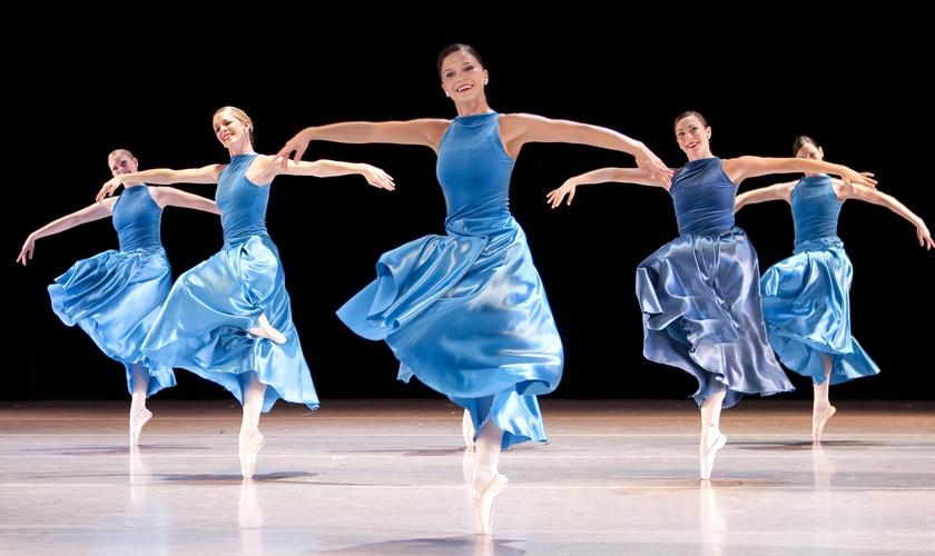 Em 2016, além das audições para os novos alunos da companhia, o Ballet Magnificat! traz o espetáculo STRATEGEM. (Foto: Divulgação).
