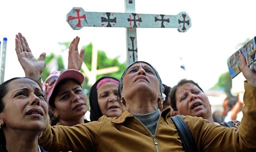 """Há mais de 1 milhão de cristãos no Egito que vieram de uma """"tradição islâmica"""", segundo a Maryam informou. (Foto: Comentator)"""