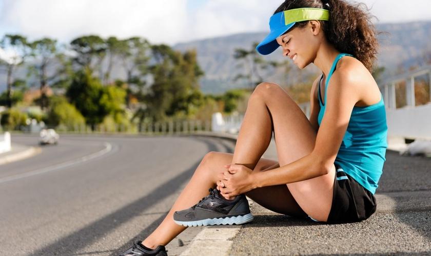 Embora as dores pós-treinos sejam comuns, elas podem ser evitadas. (Foto: Reprodução)