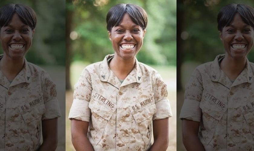 Monifa Sterling foi penalizada por se recusar e tirar um versículo bíblico de sua mesa de trabalho, no serviço militar dos EUA. (Foto: Fox News)