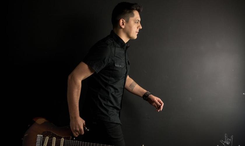 Alexandre Magnani é cantor, compositor e guitarrista. (Foto: Divulgação)