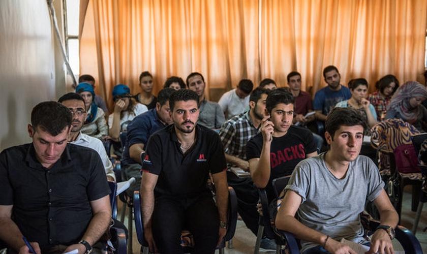 Foi a primeira vez que a comunidade assíria lançou seu próprio centro cultural. (Foto: Lynsey Addario).