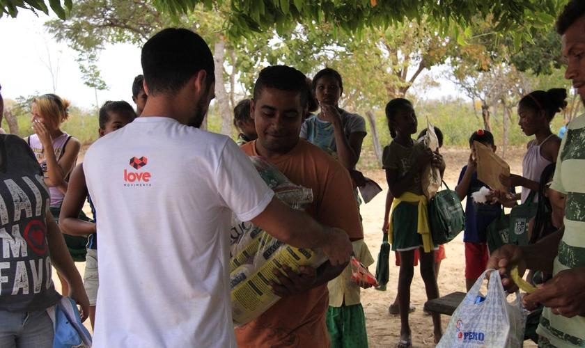 A Aldeia de Coqueiros, a situação é de carência extrema e as famílias vivem de doações. (Foto: Talita Ramos).