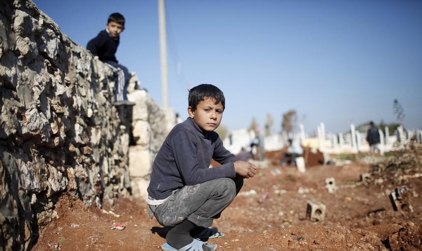 O ministério costuma chegar nos campos lotados de refugiados com centenas de caixas com alimentos. (Foto: AFP).