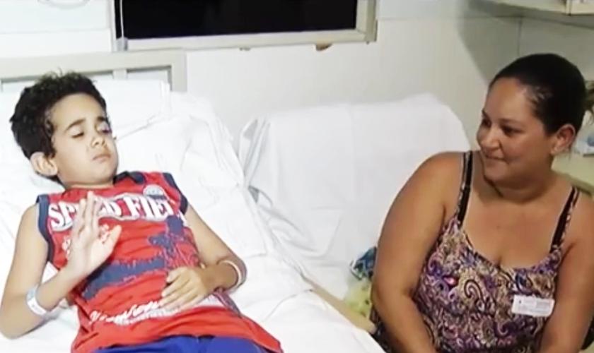 Naiara Viviane Ribeiro afirma que é um milagre o filho ter sobrevivido. (Imagem: G1)