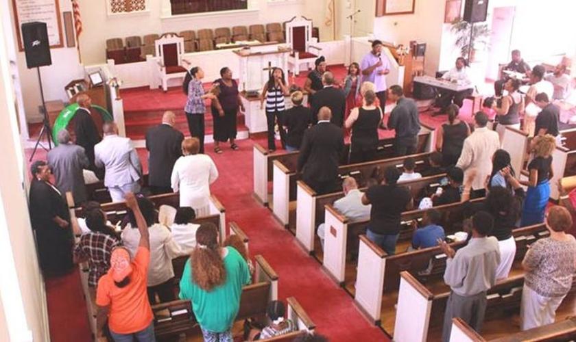 A Igreja Batista Bordeaux está dando lugar para a igreja do Pastor Lewis. (Foto: Reprodução).