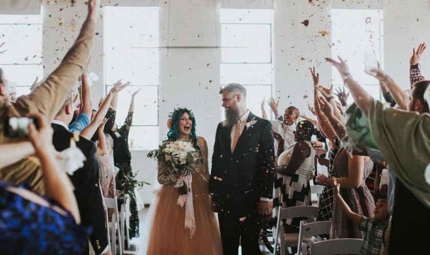 Jaquie conseguiu caminhar até o altar pela primeira vez no dia do seu casamento. (Foto: Reprodução/Instagram)