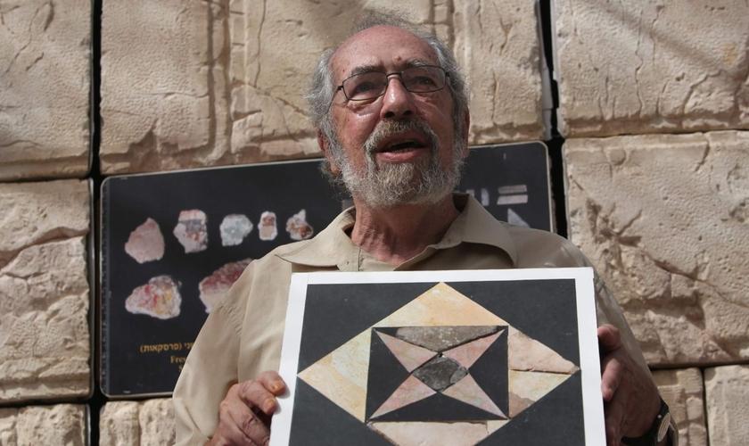 As peças que foram descobertos marcaram o início de uma pesquisa arqueológica de alto nível. (Foto: Menahem Kahana, AFP).