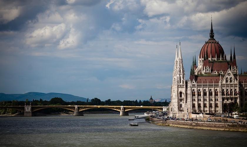 O Parlamento de Budapeste, onde se reúne a Assembleia Nacional da Hungria. (Foto: Laurent Bartkowski/Flickr)