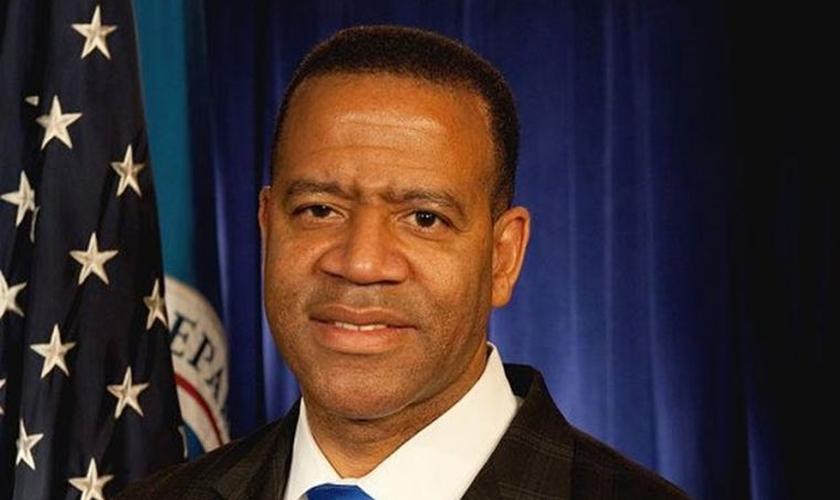 Em fevereiro de 2015, o bombeiro processou a cidade de Atlanta, apontando que ele foi injustamente rescindido. (Foto: Reprodução/Facebook).