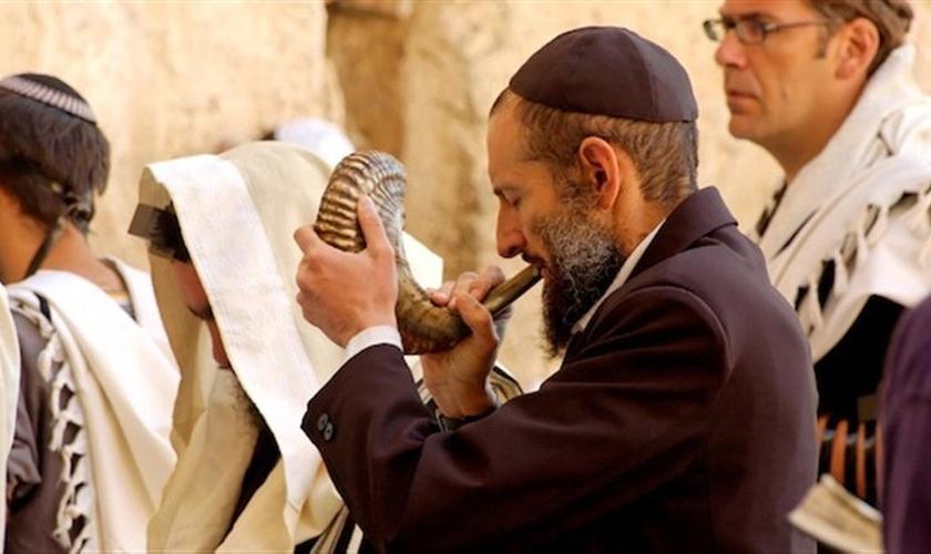 Veja como a festa que comemora a chegada do ano 5777 é comemorada em Israel. (Foto: Reprodução/Bible Places)