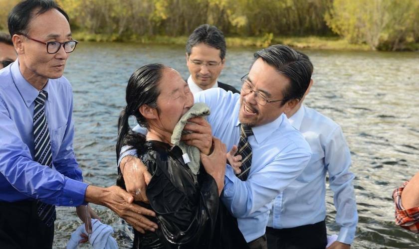 Muitas igrejas se uniram para levar atendimento médico gratuito para a comunidade. (Foto: ASN).