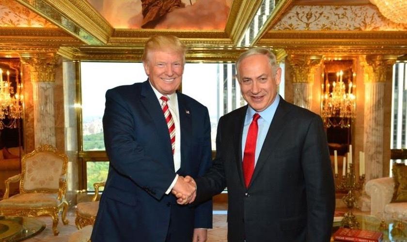 Donal Trump se reúne com Benjamin Netanyahu. (Foto: Telegraph)