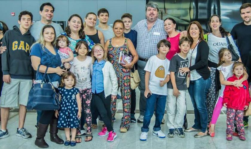 Imigrantes do Brasil chegam a bordo de um voo organizado pela Agência Judaica para Israel. (Foto: André Jerusalmy)