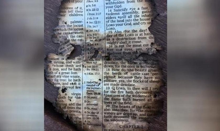 Página da Bíblia encontrada por Isaac McCord. (Foto: USA Today)