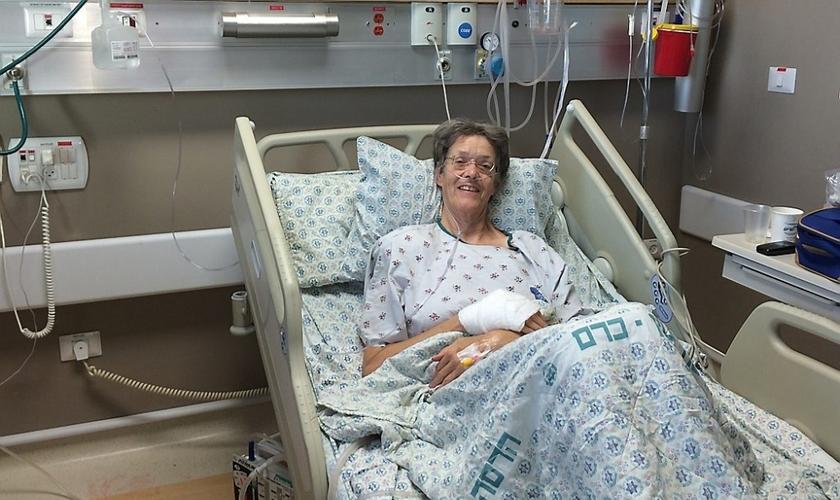 Marike Veldman levou seis facadas durante um ataque terrorista a um ônibus, em Jerusalém. (Foto: Reprodução)