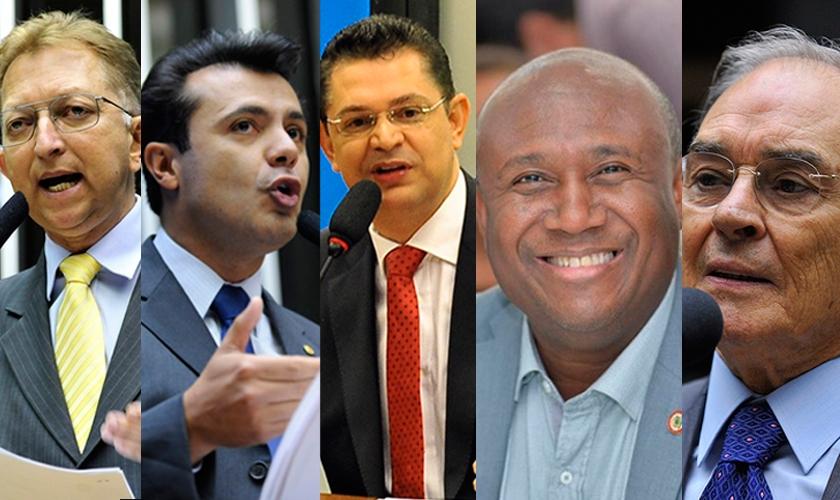 Da esquerda para a direita: Deputados João Campos, Marcelo Aguiar, Sóstenes Cavalcante, Irmão Lázaro e Arolde Oliveira. (Imagem: Guiame)