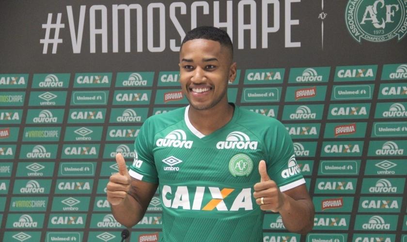 Matheus Biteco, de 22 anos, foi um dos jogadores que morreu após a queda do avião da Chapecoense. (Foto: Chapecoense)