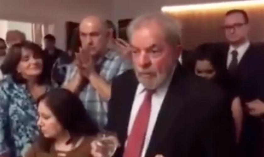 Lula atacou os procuradores da Lava Jato durante um jantar com petistas e correligionários. (Foto: Reprodução/Facebook)