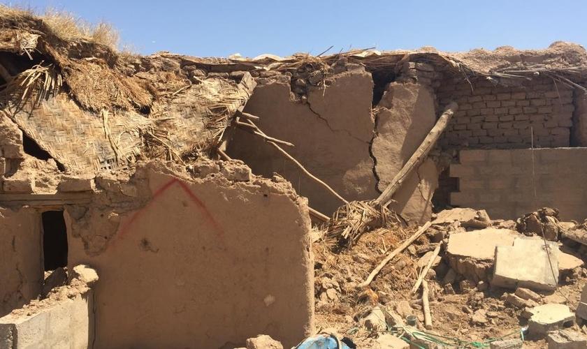 A devastação claramente causou mais do que apenas danos físicos. (Foto: Portas Abertas).
