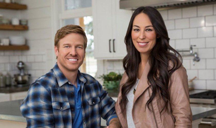 Chip e Joanna Gaines são apresentadores de um programa veiculado pela TV a cabo, nos EUA. (Foto: Glamour)