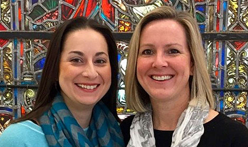 Maria Swearingen e Sally Sarratt foram ordenadas pastoras. (Foto: Calvary Baptist Church)