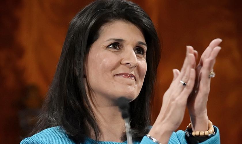 Nikki Haley é cristã e está deixando de ser governadora da Carolina do Sul (EUA) para assumir o cargo de Embaixadora dos Estados Unidos na ONU. (Foto: CNS News)