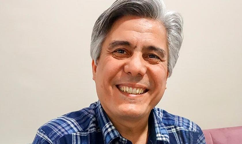 Pastor Benham Irani passou seis anos preso no Irã. (Foto: Portas Abertas)