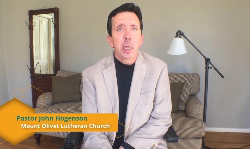 Pastor John Hogenson. (Imagem: Youtube)