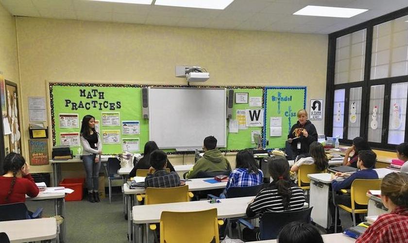 Para o superintendente, ensinar crianças de 12 anos sobre a expressão de gênero é um padrão educacional. (Foto: Reprodução).
