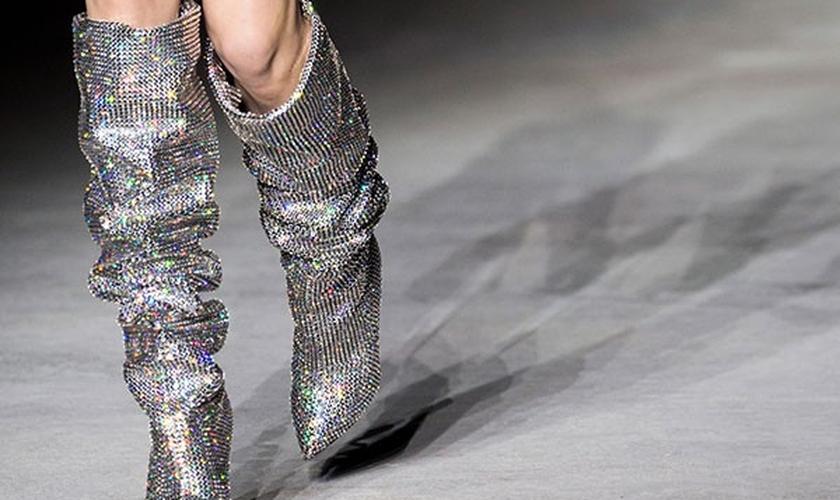 De Saint Laurent a Dior, as botas foram um destaque nas passarelas internacionais (Foto: Imaxtree)