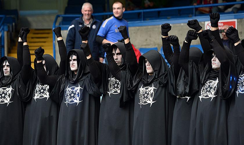 Satanistas participam de evento esportivo nos EUA. (Foto: NaijaGists)
